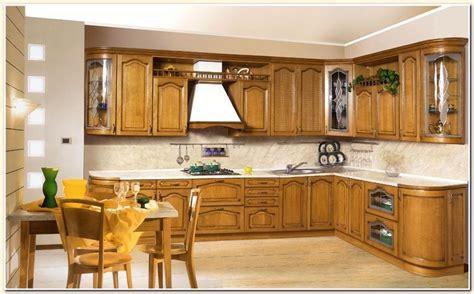 d raisser meubles cuisine bois vernis meuble cuisine bois ancien wraste com