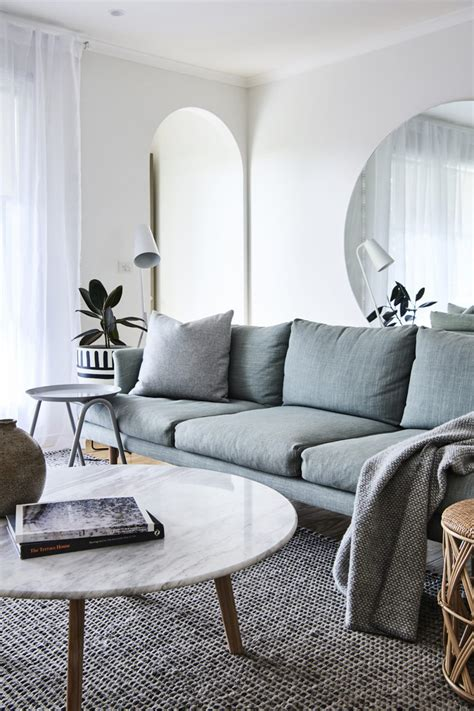white marble coffee tables  love