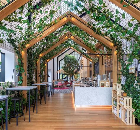 On the street of market street and street number is 333. You Can Live Above This Gorgeous Treehouse Inspired Café in New Jersey | Modern tree house ...