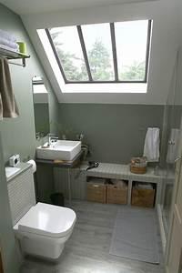 Banc Salle De Bain : une salle de bains sous les toits ~ Teatrodelosmanantiales.com Idées de Décoration