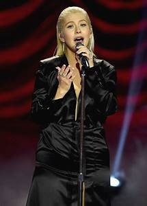 Christina Aguilera #ChristinaAguilera Performs Live at the ...