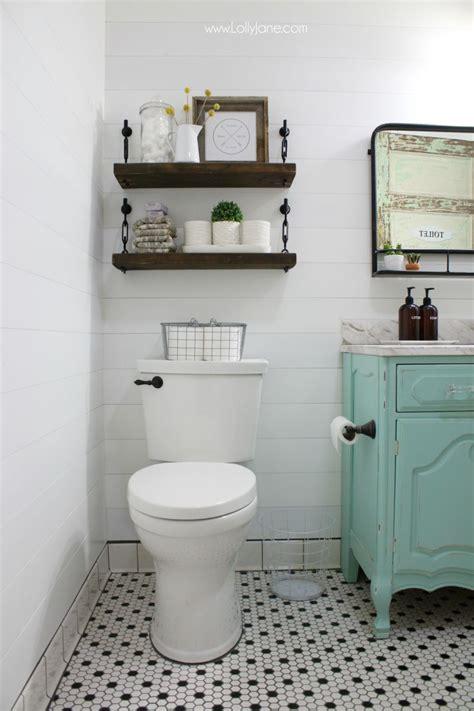 reinvent  bathroom    toilet shelves