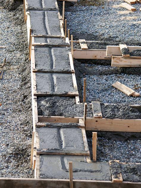 Mit Dem Streifenfundament Frostfrei Gruenden streifenfundament oder biegesteife bodenplatte