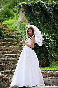 Bridal parasols for Umbrella wedding photos