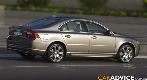 2007 Volvo S80 V8 Road Test
