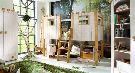 hochbett kinderzimmer kinderhochbett als ritterburg aus holz paradise