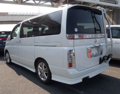 Elgrand Hd Picture by Viewed From The Rear The Nissan Elgrand Rider With