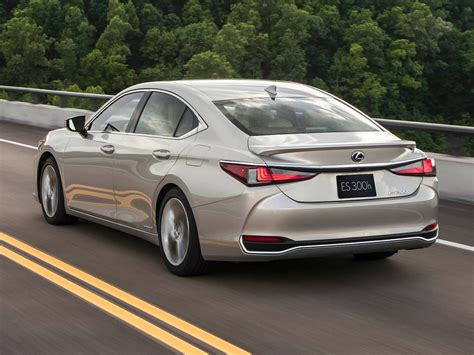 Lexus Es Photo by New 2019 Lexus Es 300h Price Photos Reviews Safety