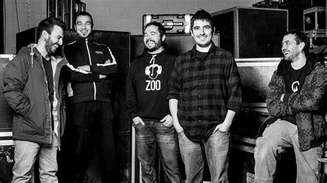 Pocos fenómenos más sorprendentes en el actual panorama musical valenciano que el de zoo. ZOO - RAPEROS DE EMAUS en Bilbao