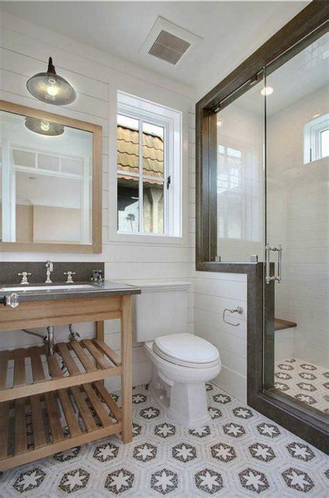 Kleines Badezimmer Fenster by Ideen F 252 R Kleines Bad Die Das Ambiente Aufpeppen