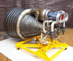 Accurate Models 1  20 Scale F-1 Rocket Engine