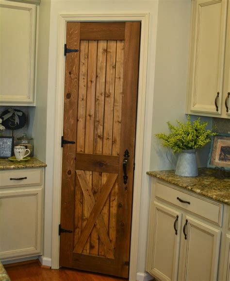 Pantry Closet Doors by 25 Best Ideas About Corner Pantry On Homey