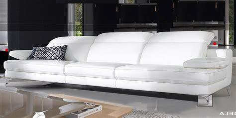 Divano Moderno Bianco : Divano In Pelle, Divano In Tessuto Modello Angela