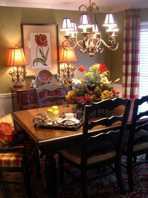 Country Dining Room Ideas by Intimate And Inviting Small Dining Room Dining Room