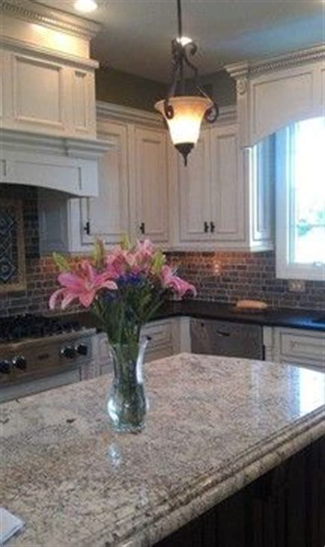 pictures of kitchens with brown cabinets 19 best images about granite on 9116