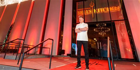 hell s kitchen reservations caesars palace welcomes the gordon ramsay hell s