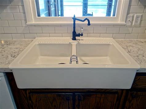 replace kitchen sink cabinet floor pin by tami lyn oldcountrylove on kitchen remodel 2nd 7733