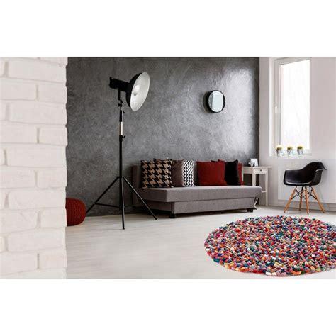 tapis rond naturel en laine feutree epais pour salon