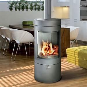 Poele A Bois Moderne : chauffage design zoom sur les po les bois tendances ~ Dailycaller-alerts.com Idées de Décoration