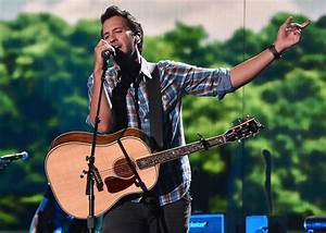 Luke Bryan Breaks His Clavicle Prior to First Farm Tour ...