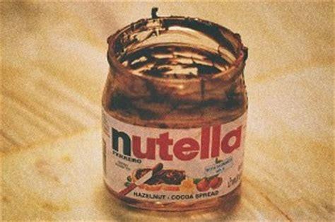 drame devant un pot de nutella vide il est oblig 233 de manger du nesquick et s 233 touffe