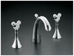 Mickey Mouse Bathroom Set Amazon by Mousecaves Com On My Wish List