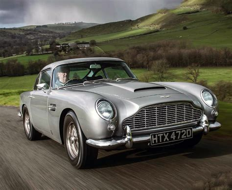Driving Aston Martin Db5