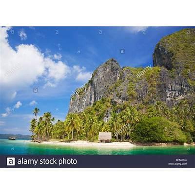 Hut on Pinagbuyutan Island; Bacuit Bay; Palawan