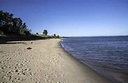 Shoreline landscape view in Upper Peninsula, Michigan ...