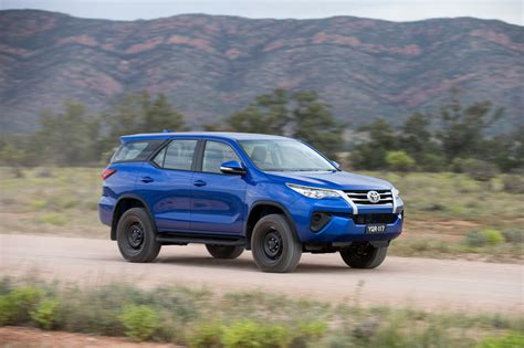 Review Toyota Fortuner by Toyota Fortuner Review Caradvice
