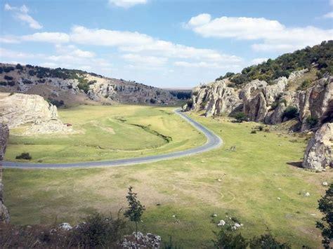 Descrieți pe scurt traseul graniței României cu Ungaria. Explicați de ce România este o tara pontica - Brainly.ro