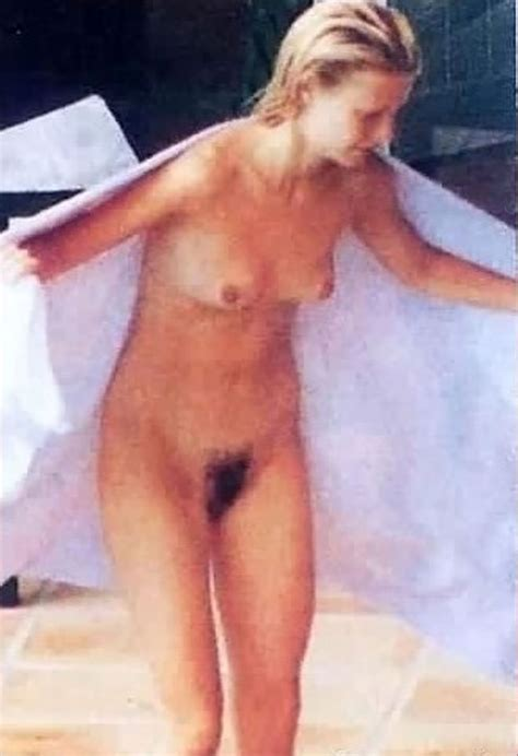 Gwyneth Paltrow Nude And Bikini Pics Scandal Planet