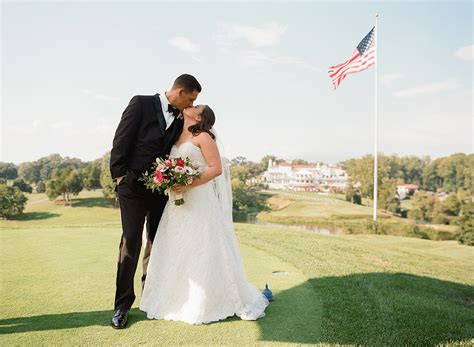 This Preppy Golf-themed Wedding Is A Hole-in-one