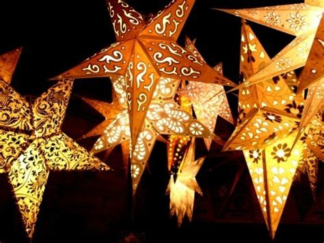 Fenster Weitere Ideen by Beleuchtete Weihnachtssterne F 252 Rs Fenster Und 40 Weitere