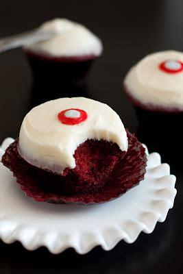 sprinkles red velvet cupcakes  cream cheese frosting