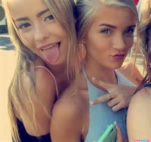Tongue 04 blonde teen