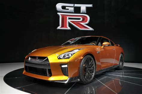 Hot Cars At The 2016 New York Auto Show