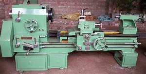 Manual Lathe Machine  Max Spindle Speed  0