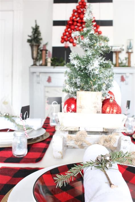 buffalo check christmas tablescape  bees   pod