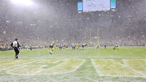 seahawks  packers weather forecast snow expected