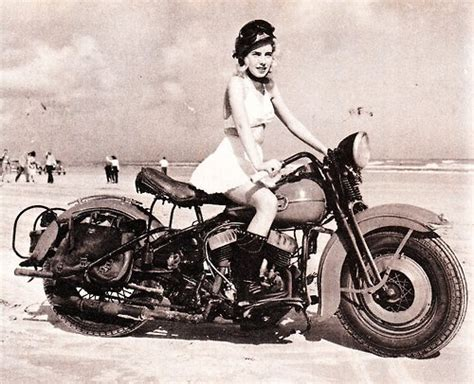 Vintage Girls On Motorcycles Pin-up Gallery