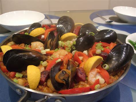 cuisine paella food guide essential to eat well while travelling