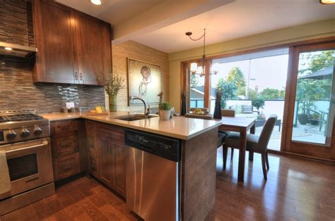 kitchen countertop cabinets 17 best images about kitchens on the cabinet 1004
