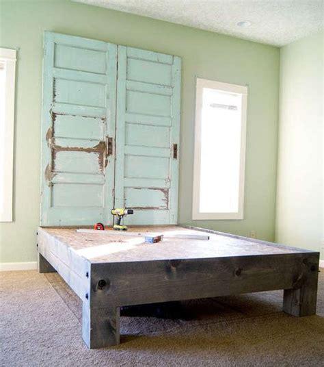transformer garage en cuisine tête de lit en bois de grange à fabriquer