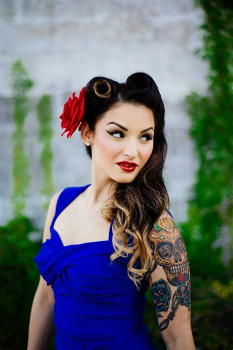 hair pin up style pin up style makeup and hair for engagement photos 2637