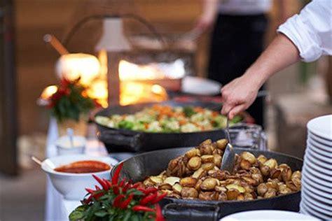 romarin en cuisine buffet avec plat chaud reception traiteur 95 val d 39 oise