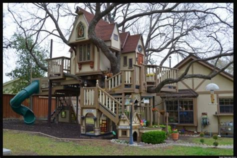 jolly good ideas  luxurious outdoor playhouse