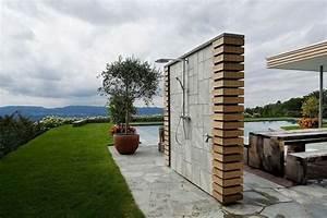 Gestaltung Von Terrassen : terrasse sitzzecke gartendusche moderne gestaltung zuk nftige projekte pinterest ~ Markanthonyermac.com Haus und Dekorationen