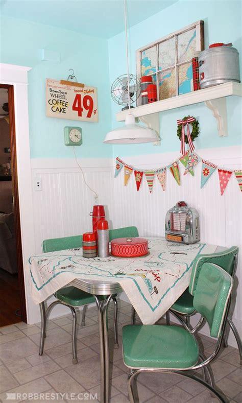 17 Best Ideas About Retro Kitchen Decor On Pinterest