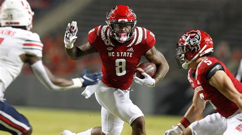 Blocked FG helps NC State hold off No. 21 Liberty 15-14 ...